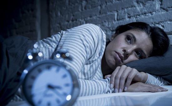 Thiếu ngủ lâu dài sẽ khiến đời sống xã hội xuống dốc