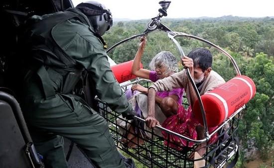 Thủ tướng Ấn Độ thăm người dân vùng lũ ở bang Kerala