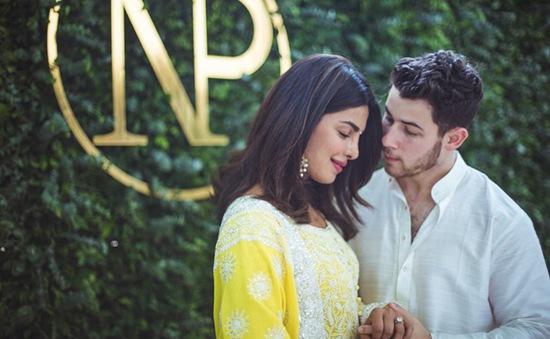 Nick Jonas đính hôn cùng Hoa hậu Thế giới 2000 Priyanka Chopra tại Ấn Độ