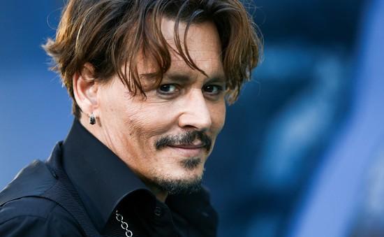 Johnny Depp tố cáo bị vợ cũ hành hung