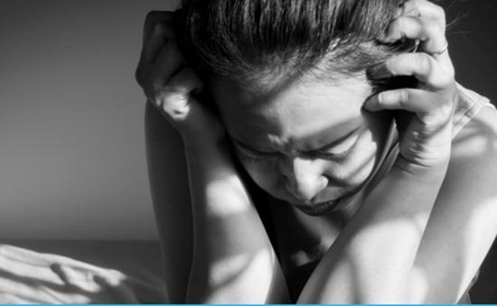 Vì sao phụ nữ hay bị chứng đau nửa đầu?