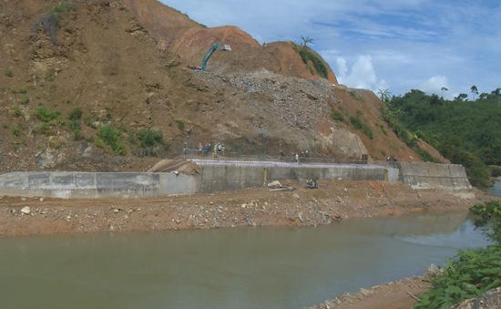 Tăng cường đảm bảo an toàn hồ đập mùa mưa bão
