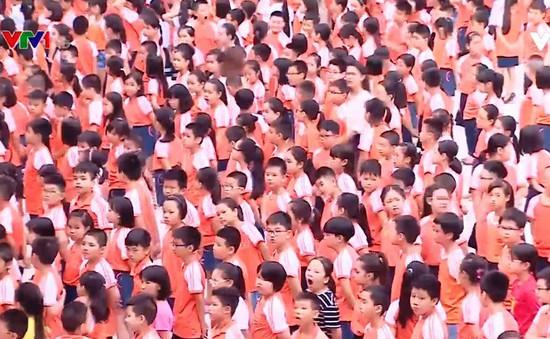 Học sinh vào lớp 1 ở Hà Nội tăng 30.000 em so với năm 2017