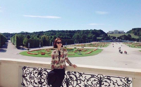 YoonA (SNSD) lộ chân cong kém xinh khi khoe ảnh vi vu trời Tây
