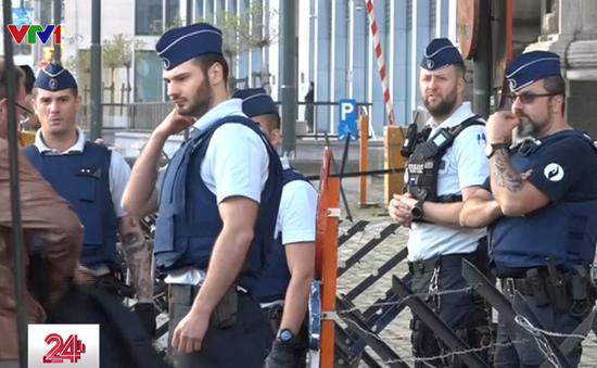 Bỉ bắt giữ nhóm 10 đối tượng chuyên buôn người sang Anh
