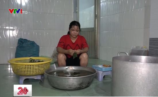 TP.HCM: Buộc đóng cửa một cơ sở sản xuất thức ăn cho công nhân