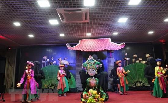Biểu diễn múa rối phục vụ cộng đồng người Việt tại Liên bang Nga