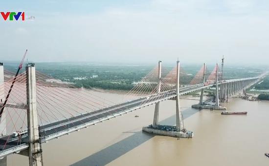 Cầu Bạch Đằng nối Quảng Ninh với Hải Phòng trước ngày thông tuyến