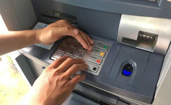 NHNN yêu cầu giảm hạn mức rút tiền qua ATM vào đêm khuya