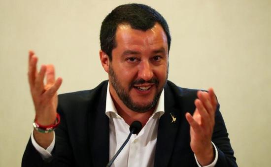 Bộ trưởng Bộ Nội vụ Italy bị điều tra về vấn đề người di cư