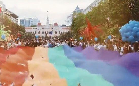 Cuộc diễu hành lớn nhất năm của cộng đồng LGBT