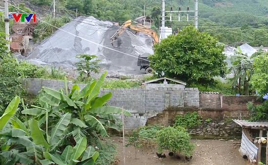 Hàng chục hộ dân Phú Thọ thấp thỏm sống dưới chân mỏ đá