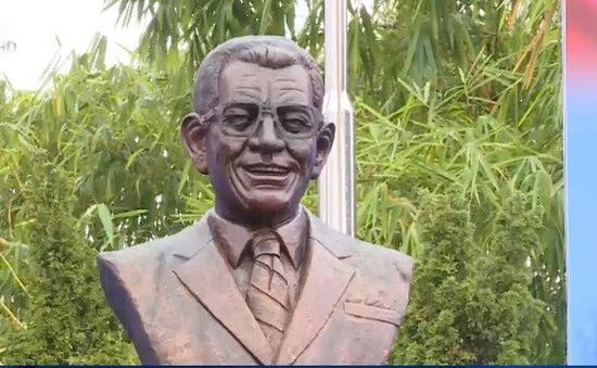 Khánh thành tượng Giáo sư Juan Bosch tại Hà Nội