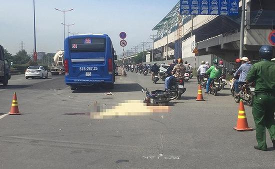 Xe bus gây tai nạn chết người ở xa lộ Hà Nội