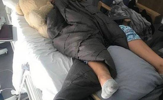 Anh: Thiếu nữ 24 tuổi bị liệt do hít bóng cười