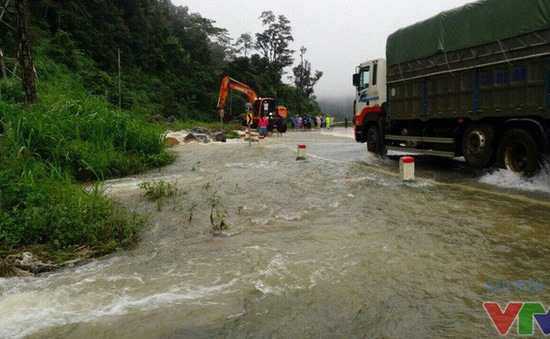 Thủ tướng chỉ đạo ứng phó lũ lớn ở ĐBSCL và mưa lũ tại Bắc Bộ