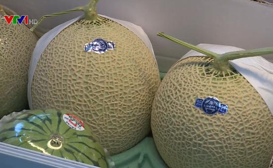 Hoa quả nhập khẩu có giá 1 triệu đồng/kg vẫn hút khách