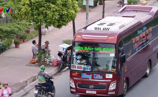 Nhức nhối tình trạng xe khách dừng, đỗ sai quy định tại Hà Nội
