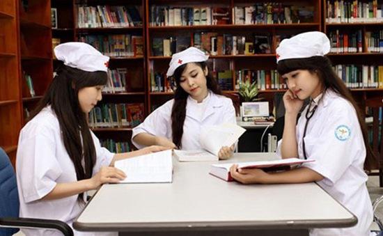 Ngoài điểm chuẩn, Đại học Dược Hà Nội sử dụng nhiều tiêu chí phụ xét tuyển