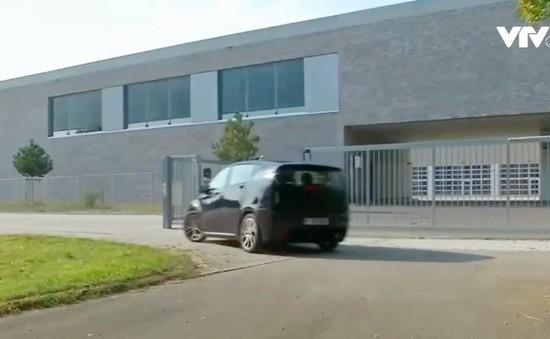 Đức thử nghiệm xe tự sạc khi đang chạy