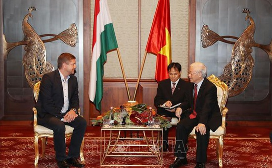 Tổng Bí thư Nguyễn Phú Trọng tiếp Chủ tịch Đảng Xã hội Hungary