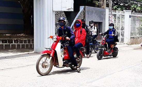 Tràn lan tình trạng học sinh đi xe máy phân khối lớn tại Nha Trang