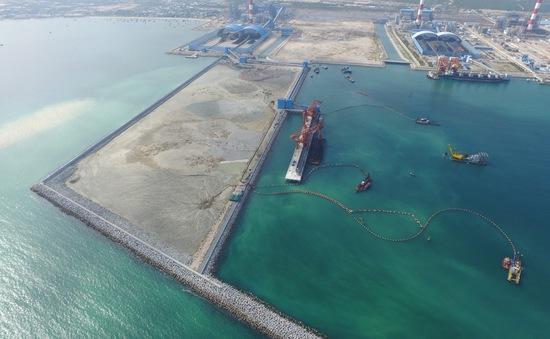 Sử dụng vật, chất nạo vét để san lấp mặt bằng Cảng tổng hợp Vĩnh Tân, Bình Thuận