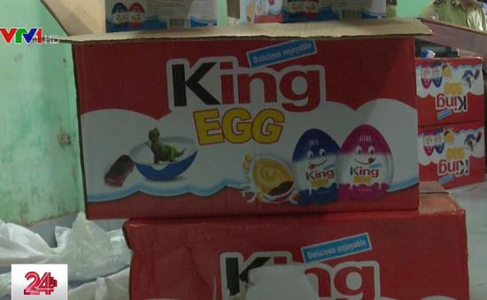 Hà Nội: Thu giữ 1,5 tấn thực phẩm, đồ chơi trẻ em không rõ nguồn gốc