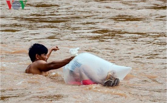 Đề nghị sớm xây cầu qua suối Nậm Chim