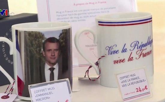 Pháp: Điện Elysee bán đồ lưu niệm