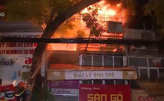 Bệnh viện sơ tán, tiểu thương trắng tay trong vụ hỏa hoạn