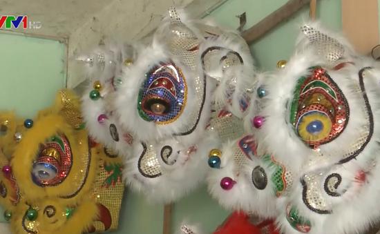 Tất bật làng làm nghề đầu lân, sư phố cổ Thu Xà, Quảng Ngãi