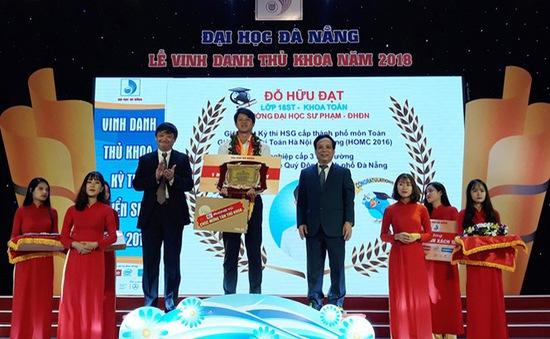 Lễ vinh danh Thủ khoa Đại học Đà Nẵng năm 2018