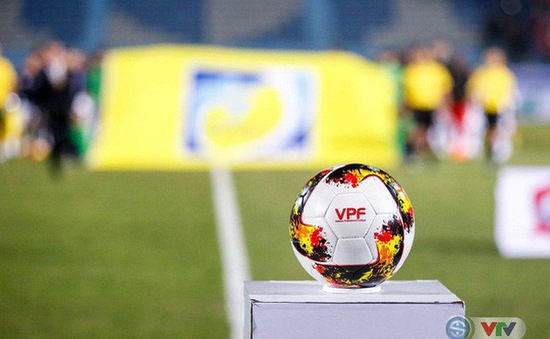 Tạm dừng các Giải bóng đá chuyên nghiệp Quốc gia từ ngày 22/9