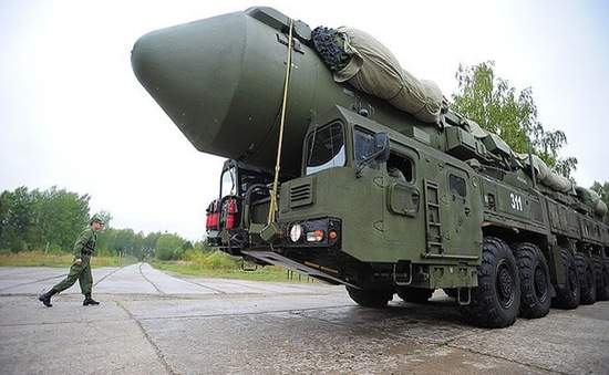 Điện Kremlin cáo buộc Mỹ ép Nga ra khỏi thị trường vũ khí