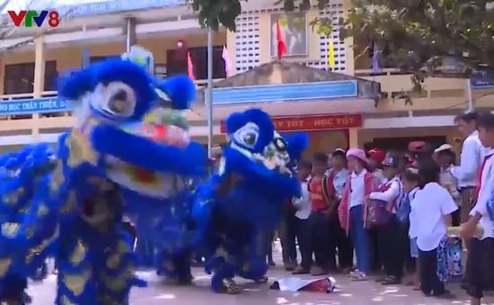 Ấm áp tết trung thu cho trẻ em vùng cao Thừa Thiên Huế