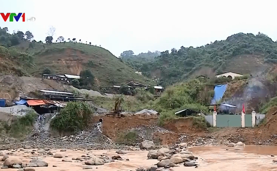 Khó kiểm soát hoạt động khai thác vàng ở Quảng Nam