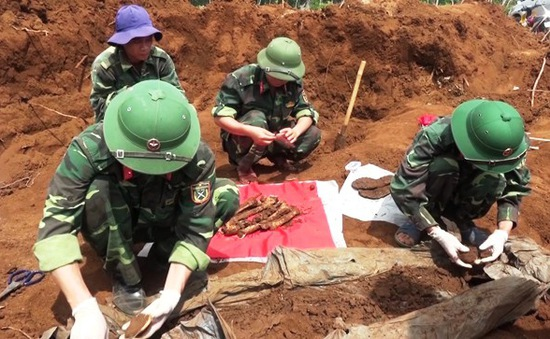 Quảng Trị phát hiện thêm 6 phần mộ liệt sĩ