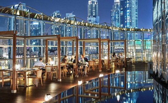 Khám phá sự xa hoa bên trong tòa nhà cao nhất thế giới ở Dubai