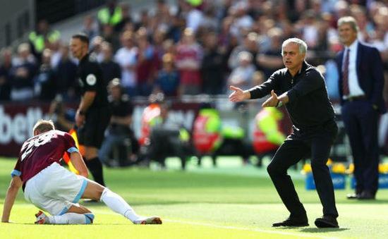 """""""Man Utd tệ hại vì quá thiếu kiên nhẫn"""""""
