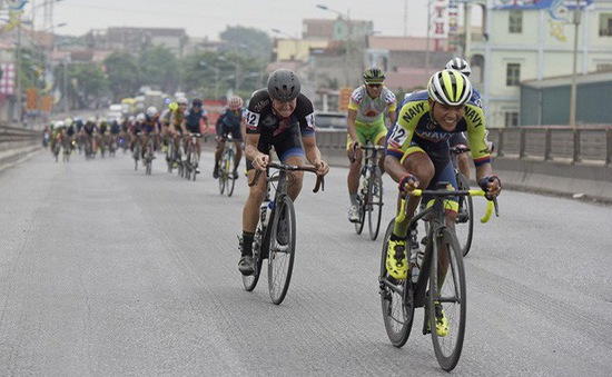 KẾT QUẢ Chặng 3 giải xe đạp quốc tế VTV Cup Tôn Hoa Sen 2018: Ấn tượng các tay đua nước ngoài