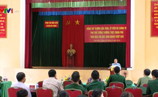 Phó Thủ tướng Trương Hòa Bình thăm Trung tâm Huấn luyện Bộ Tư lệnh Bộ đội biên phòng