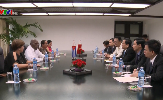 Việt Nam ủng hộ sự nghiệp đấu tranh chính nghĩa của Cuba