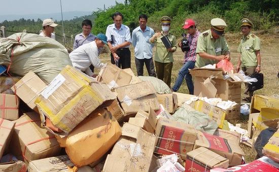 Phú Yên tiêu hủy hàng lậu, kém chất lượng
