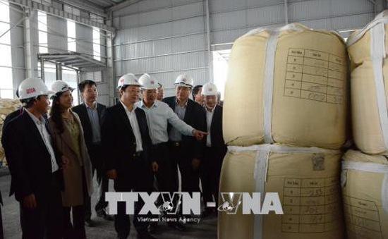Bộ trưởng Trần Hồng Hà thăm và làm việc tại Nhà máy Alumin Nhân Cơ