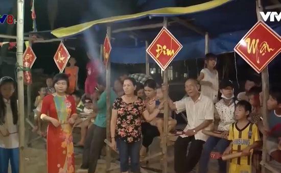 """""""Gia đình bài chòi"""" ở làng biển Phú Yên"""
