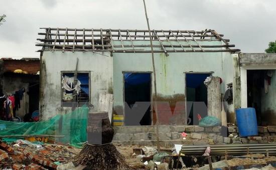 UNDP hỗ trợ sửa chữa nhà cho người dân sau bão số 12