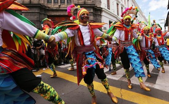 Cuộc diễu hành đầy sắc màu đón năm mới 2018 ở Colombia