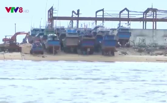 Phú Yên: Di dời cảng cá, ngư dân gặp khó khăn