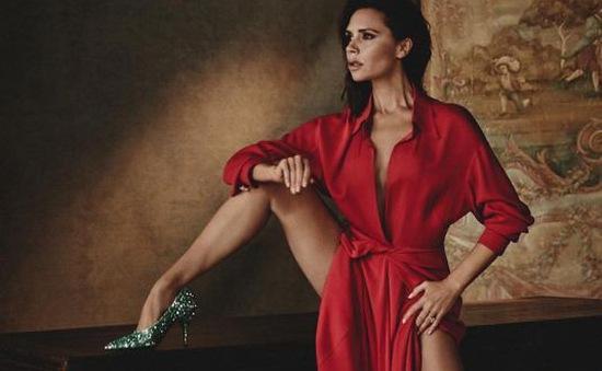 Victoria Beckham tự tin khoe thân hình cò hương trên Vogue España